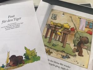 """Ist möglicherweise ein Bild von Buch und Text """"Post für Die den Tiger und Geschichte, kleine Tiger der kleine Briefpost die Luftpost die und das Telefon erfinden ls der kleine Bär sagte wieder angeln ging,"""""""